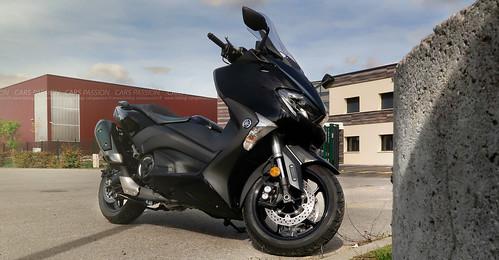 essai-Yamaha-Tmax-530-2017-moto-test2