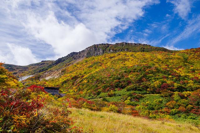 鉄山の紅葉とくろがね小屋
