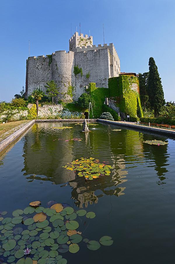 64_Italy_Duino Castle