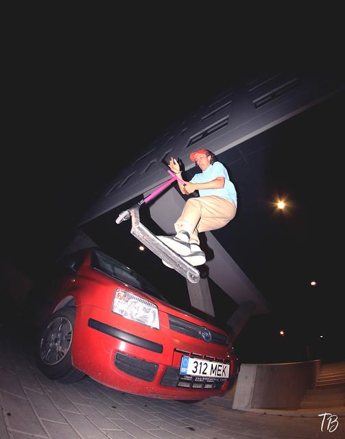 Header of car-hop