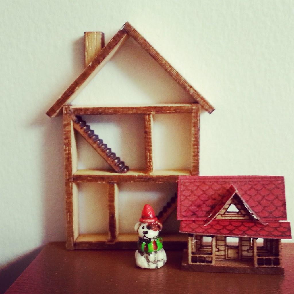 Dolls' houses for dolls' houses
