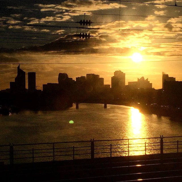 #LaDefense #Sunset #rouenparisrouen #seine #tw