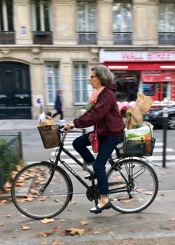 Paris bikes and street scenes-27.jpg