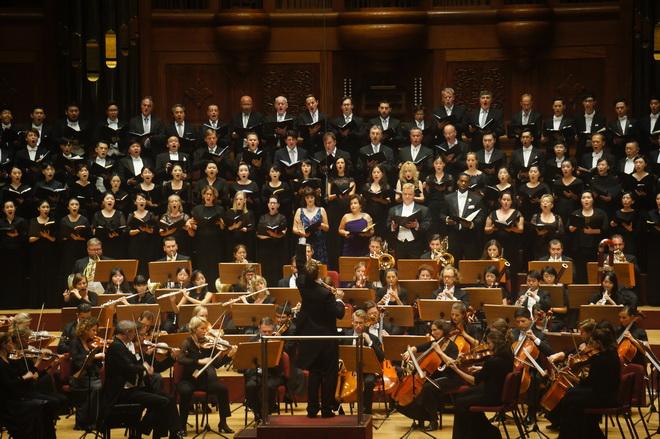 領銜指揮的克里斯蒂安.阿閔為比利時列日皇家愛樂管弦樂團音樂總監,是指揮大師小澤征爾的愛徒,對德奧曲目的獨到詮釋聞名樂壇