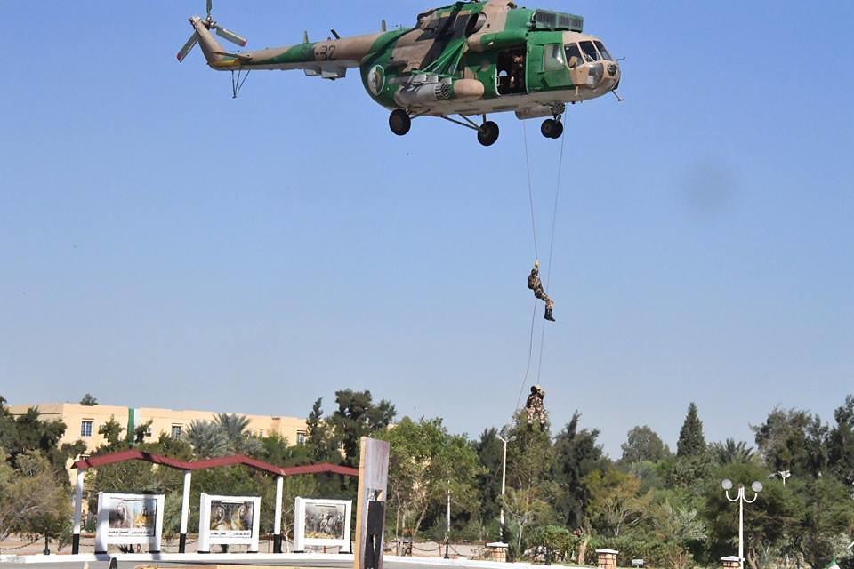 موسوعة الصور الرائعة للقوات الخاصة الجزائرية - صفحة 63 37912836426_b7703a2c91_b
