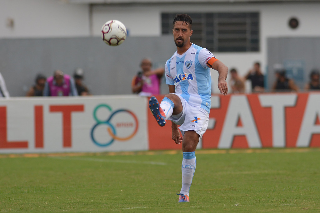 GusOliv02_PRO_Dirceu_Londrina-Paysandu_21-10-2017