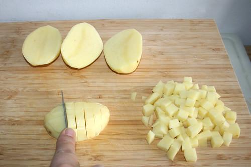 17 - Kartoffeln würfeln / Dice potatoes