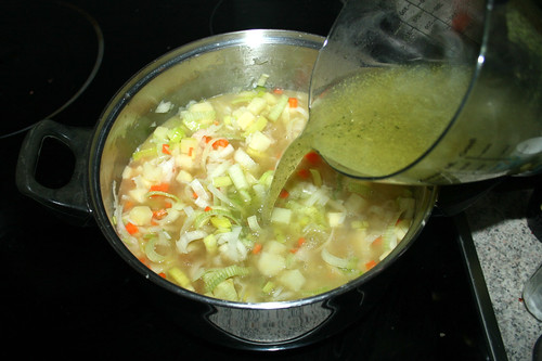 29 - Gemüsebrühe addieren / Add vegetable broth