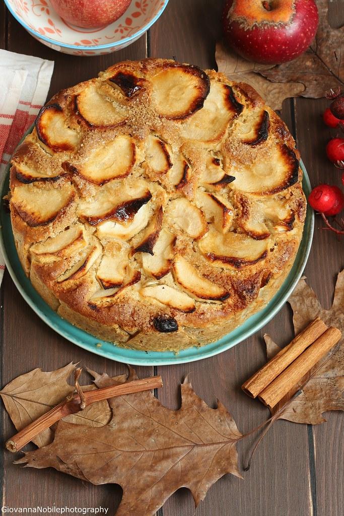 Torta integrale di mele con nocciole 2