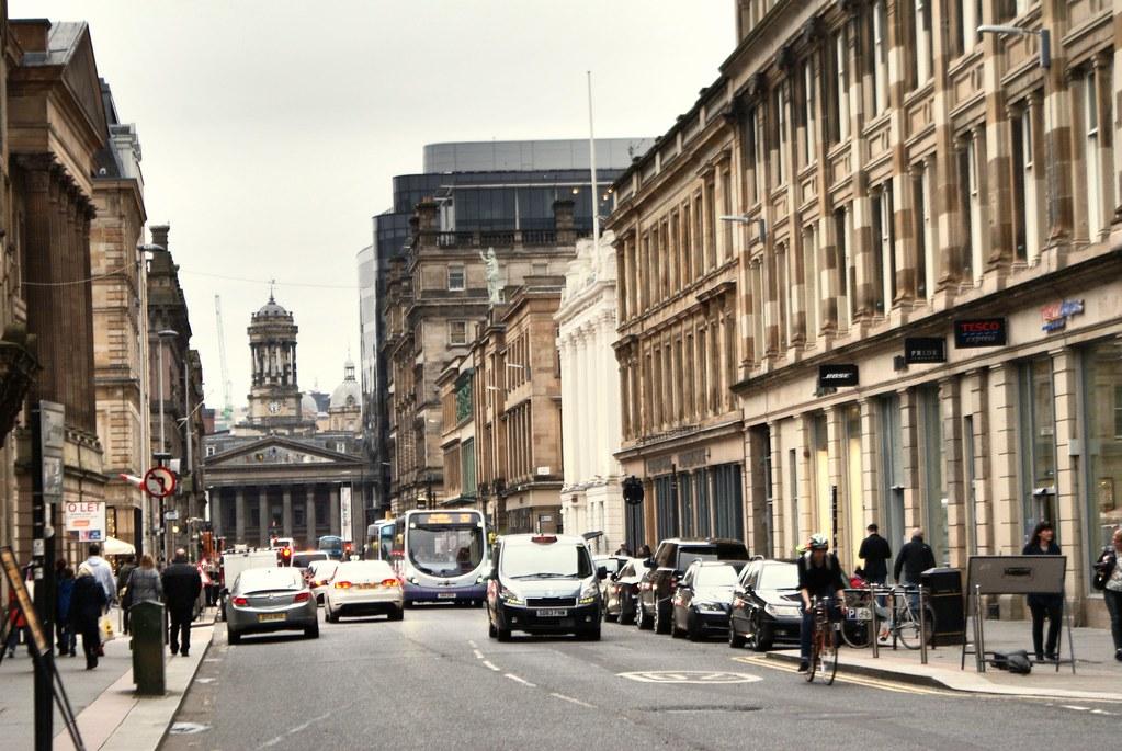 Ingram street, artère principale du quartier de Merchant City à Glasgow.