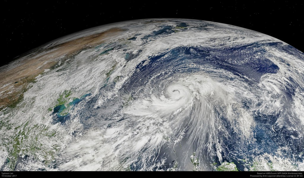 Typhoon Lan 2017 10 19
