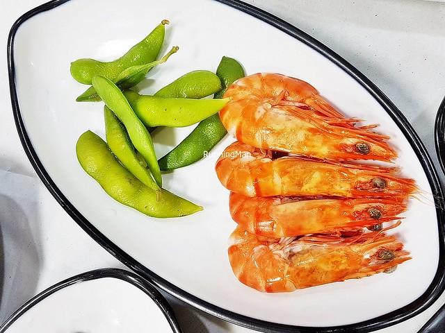 Saengseon-Hoe - Prawns, Sugar Snap Peas