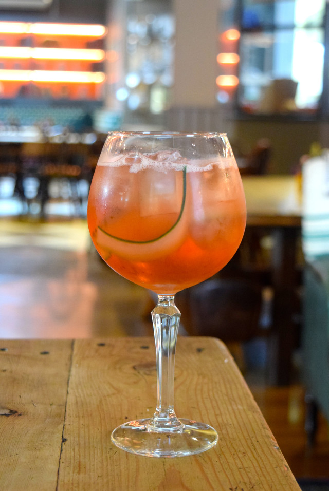 Double Sloe G&T at The Royal Oak, Twickenham | www.rachelphipps.com @rachelphipps