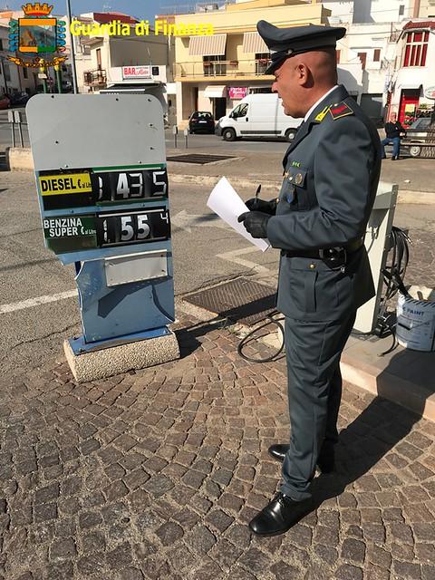 carburanti. nuovi controlli gdf