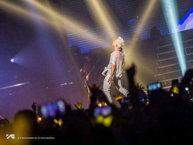 BIGBANG - credit on pic via ygent_official - 2017-10-16