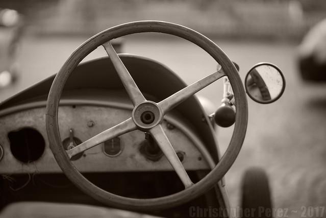 Automobiles in Black and White ~ la traversee de Paris 2013