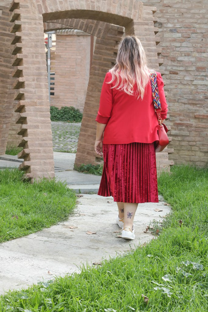 Outfit plus size, rosso su rosso (11)