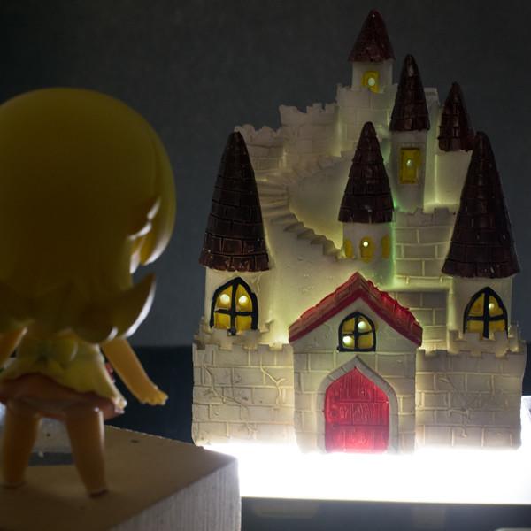 レビュー ダイソー 200円の光るLEDのお城