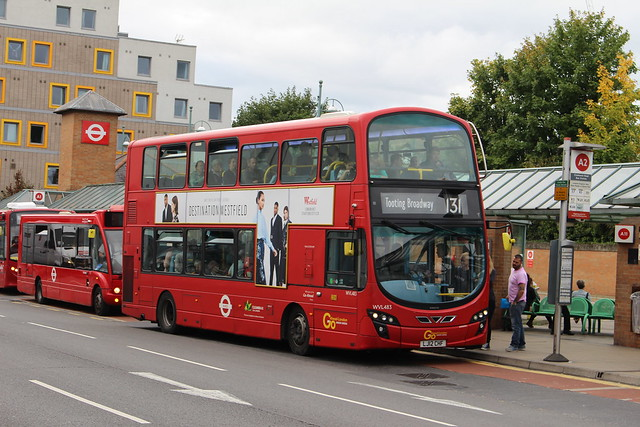 London General WVL483 on Route 131, Kingston Cromwell Road