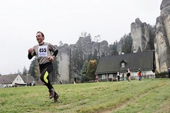 Zajeďte na kros horolezců do Adršpachu