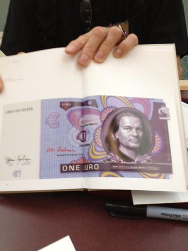 Boggs showing One Euro design with Hipschen portrait