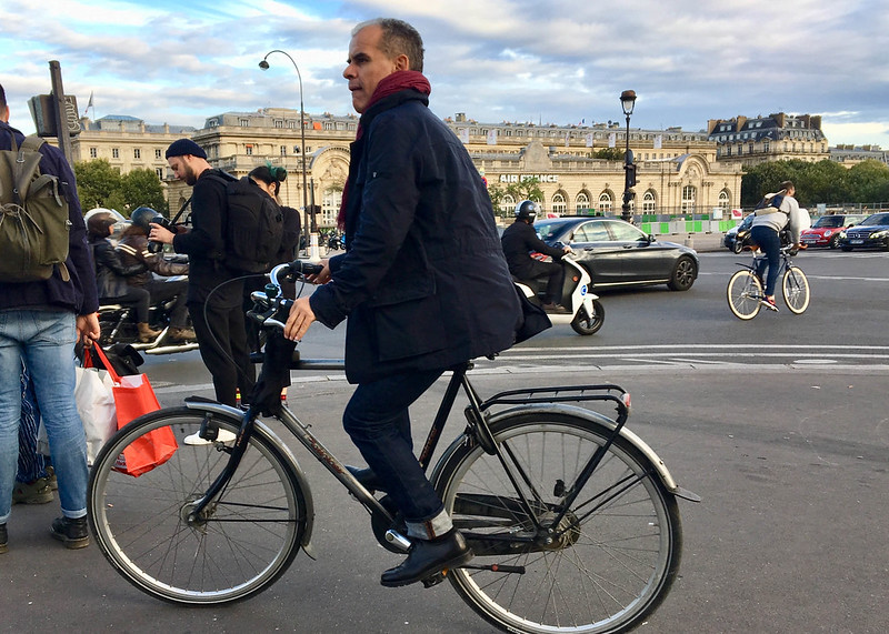 Paris bikes and street scenes-38.jpg