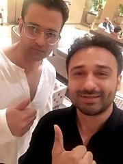 I am going to Borrow your Eyeglasses Rohit bhai & never return you back 😂 Instagram.com/JaeyGajera #RohitRoy #JaeyGajera #Bollywood #Tollywood — at Bandra–Worli Sea Link.