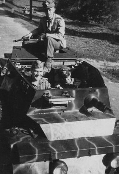 Autoblinda-Lince-SS-PolReg15-1944spring-bpz-1