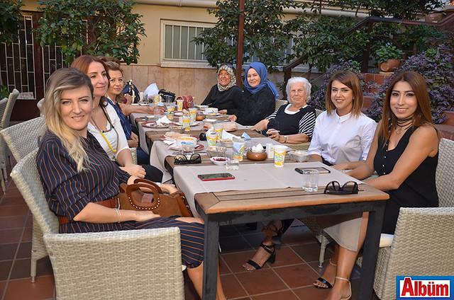 Şefika Köşkoğlu, Ayşegül Uçak, Emine Toker, Feyza Afyoncu