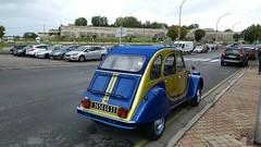 2CV ROADSTER - Photo of Saint-Seurin-de-Bourg