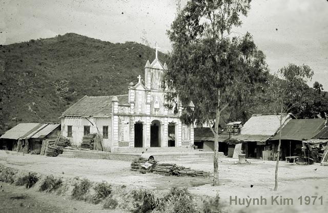 Cuộc kinh lý đầu tiên trong Năm Thánh của Đức giám mục Giáo phận tại Giáo xứ Huỳnh Kim