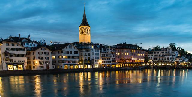 Eglise Saint Pierre - Limmat river - Zürich - Blue hour