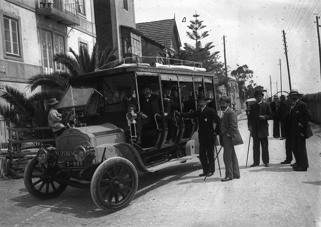 Autocarro Leyland de origem inglesa ao serviço da Companhia Carris, Dafundo (J. benoliel,  c. 1912)