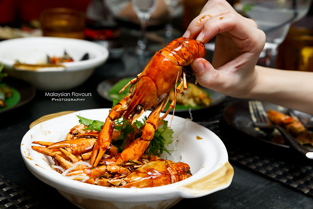 DoubleTree by Hilton KL Makan Kitchen Seafood Buffet