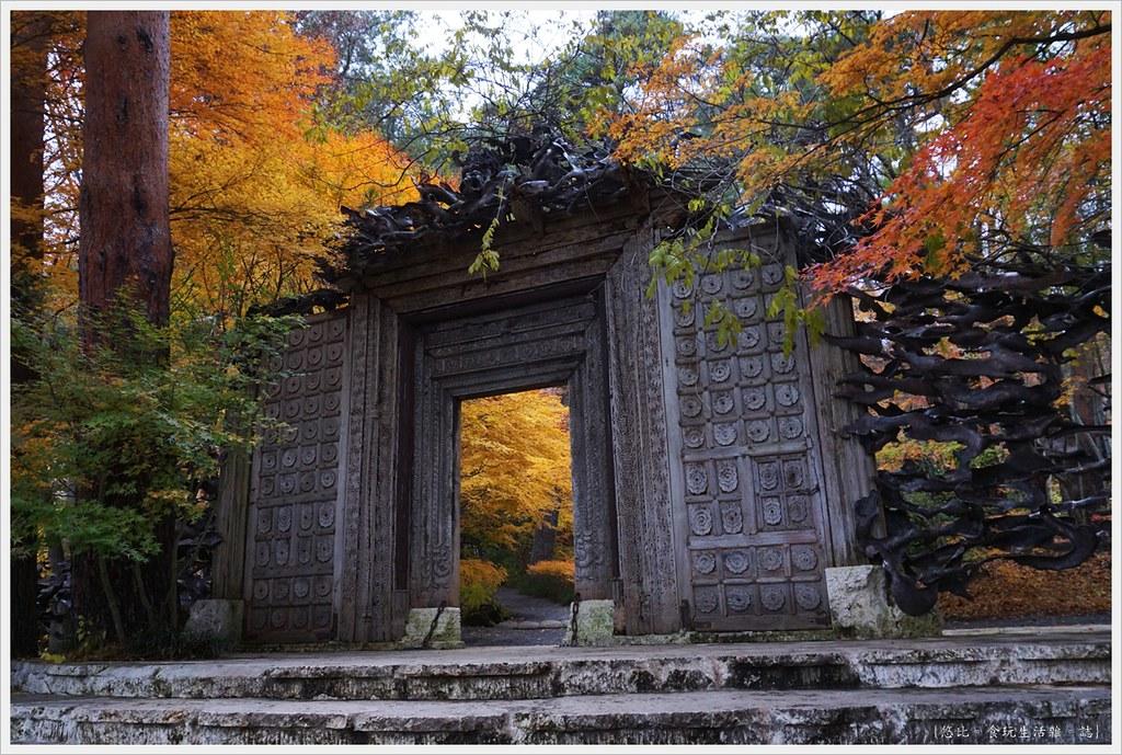 紅葉迴廊-久保田一竹美術館-8