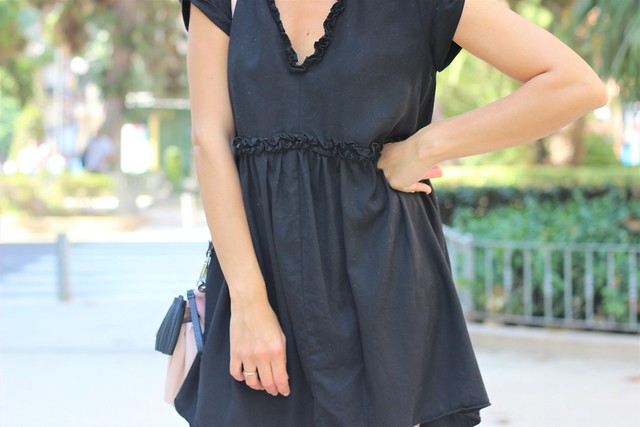 Vestido negro_ Rojo Valentino Blog (21)