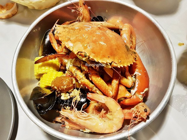 Live Crab Combo With Zesty Garlic Butter