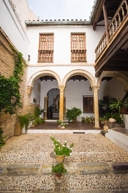 Casa de las Cabezas Courtyard
