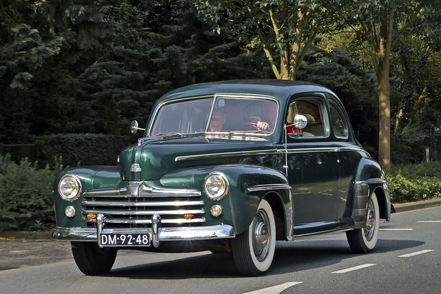 Ford DeLuxe V8 Coupé 1947 (2628)
