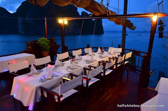 halfwhiteboy - halong bay cruise 38b