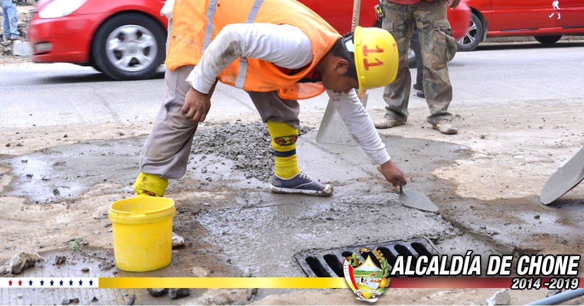 Continúan los trabajos en la calle Elías Cedeño Jerves con el 45% de sus trabajos
