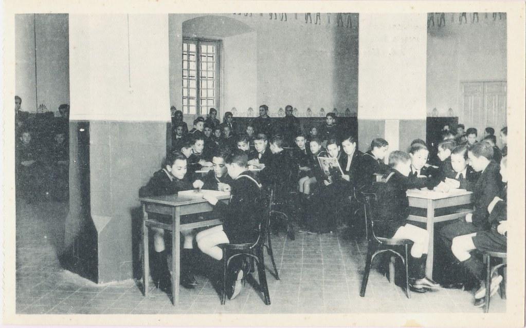 Colegio para huérfanos de la oficialidad de Infanteria. Antiguo Hospital de San Lázaro. Colección de Justo Monroy.