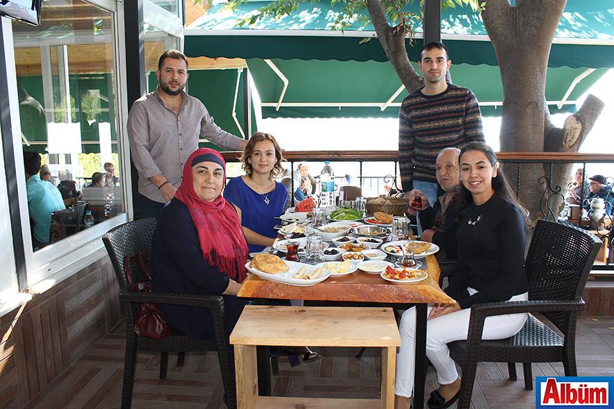 Alanya Huzur Evi sakinleri Kurşunlu Seyir Restoran'da kahvaltı ettiler-6