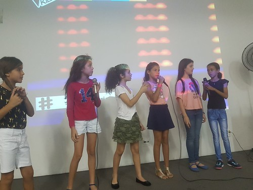 Show de talentos (Inglês e Espanhol)