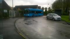 Iveco Bus Urbanway 12 GNV BHNS n°452 du réseau DK'Bus Marine à l'arrêt Russel