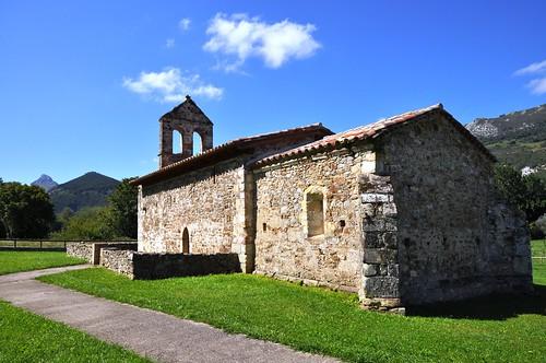 Panes (Peñamellera Baja -Asturias). Iglesia de San Juan de Ciliergo