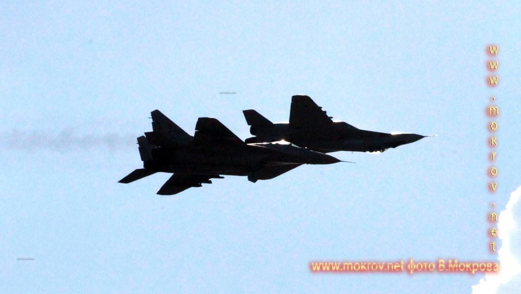 Проход 2х МиГ-29.
