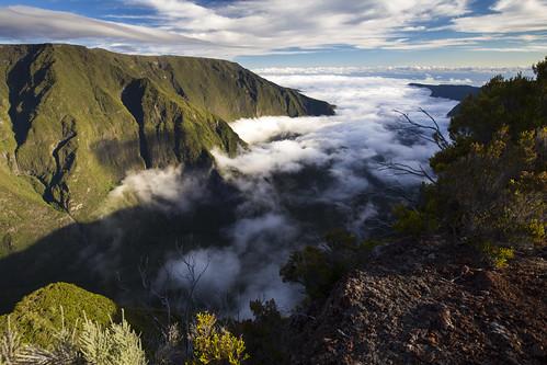 îledelaréunion mistaluis ravine mountains clouds sunset nature rivièredesremparts
