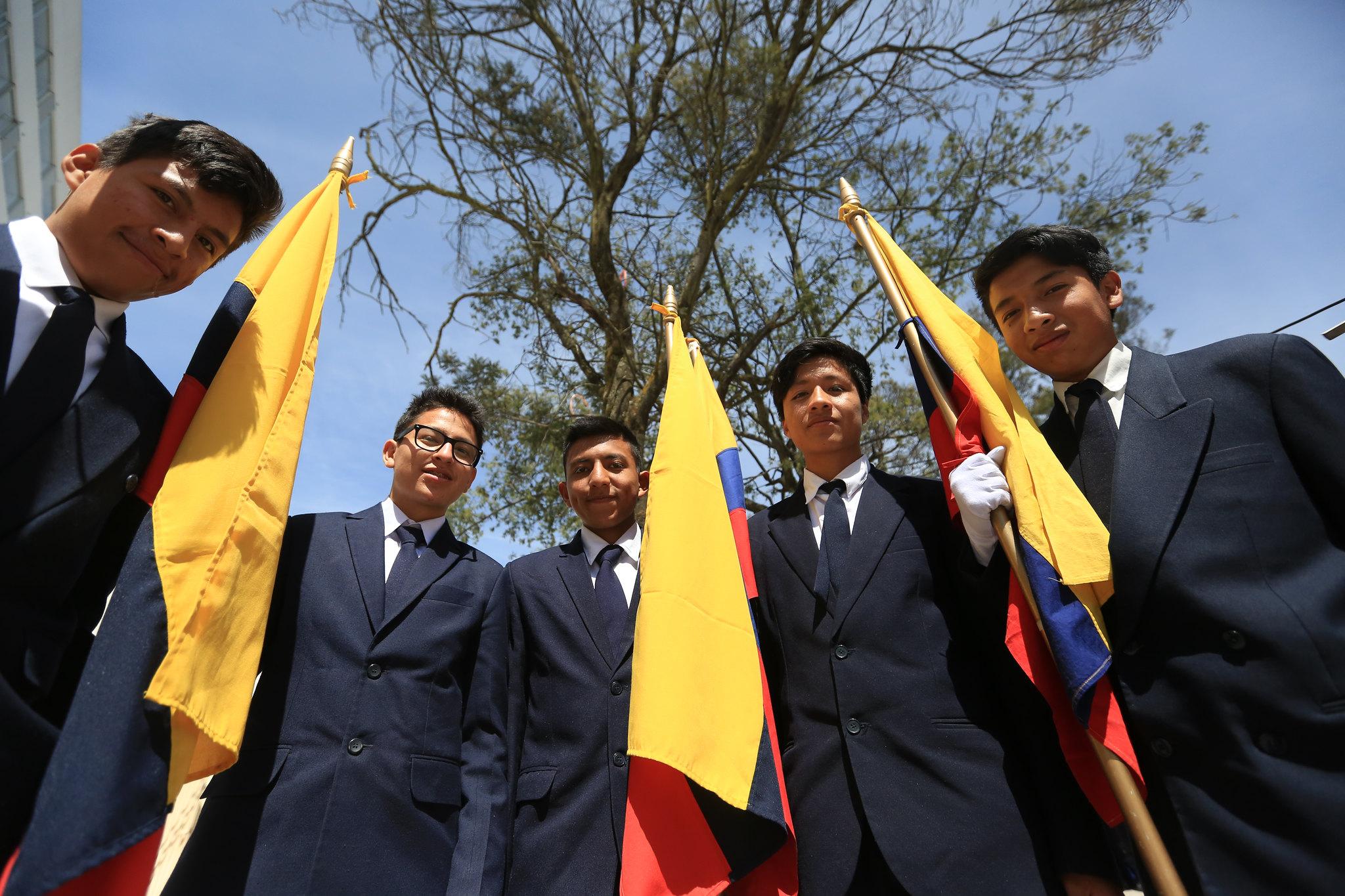 Día de la Bandera: Juramento al Pabellón Nacional Colegio Manuela Cañizares