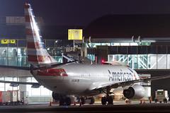 American Airlines B737 - N908NN
